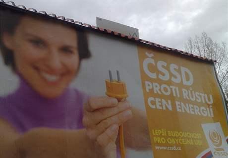 Politické strany slibují v předvolební kampani ledacos. Sociální demokraté například ujišťují občany, že jsou proti růstu cen energií.